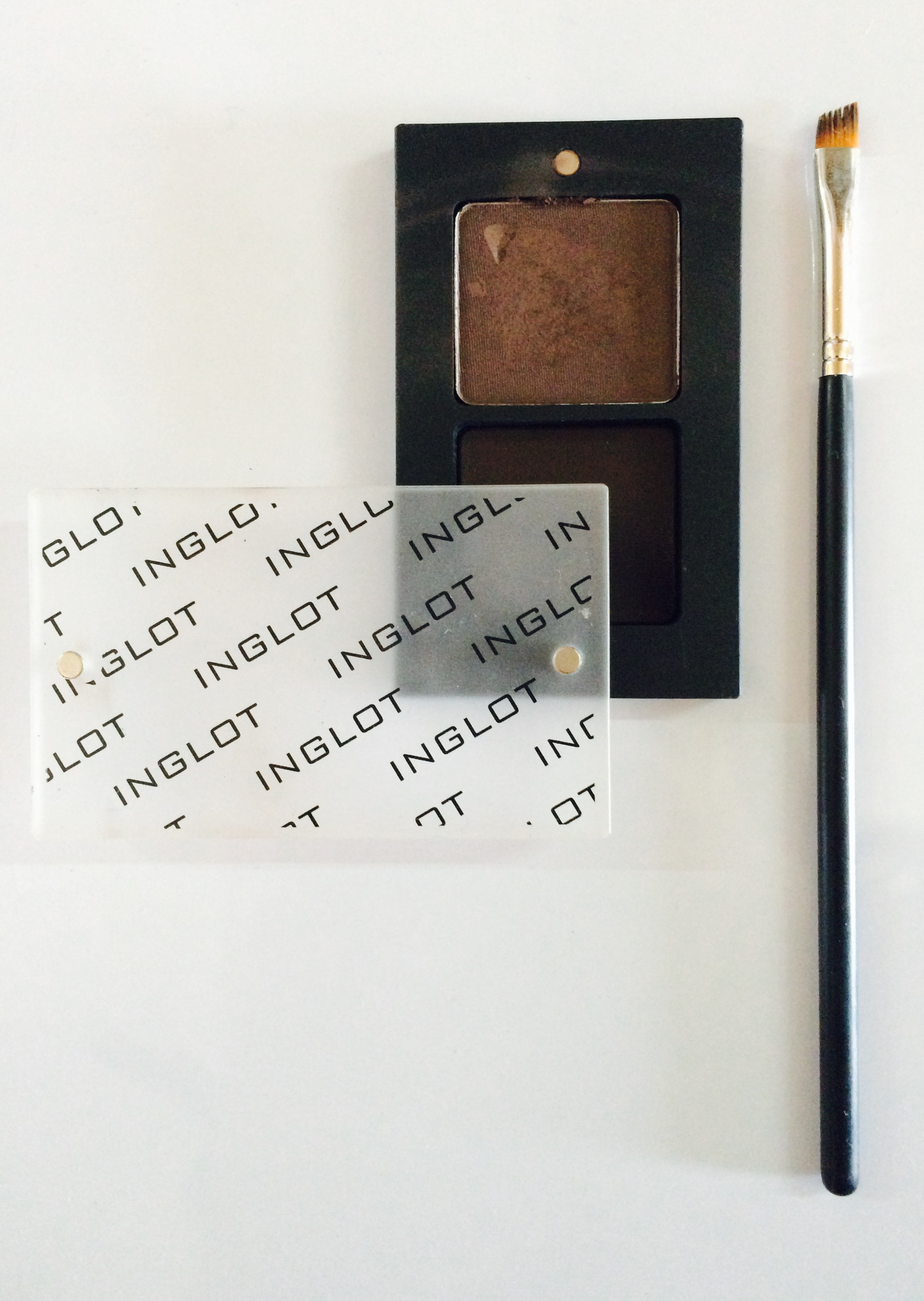 Inglot Freedom System Eyebrow Powder Review