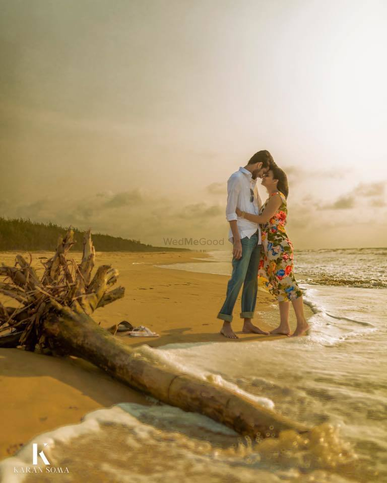 Pre-wedding shoot on a beach